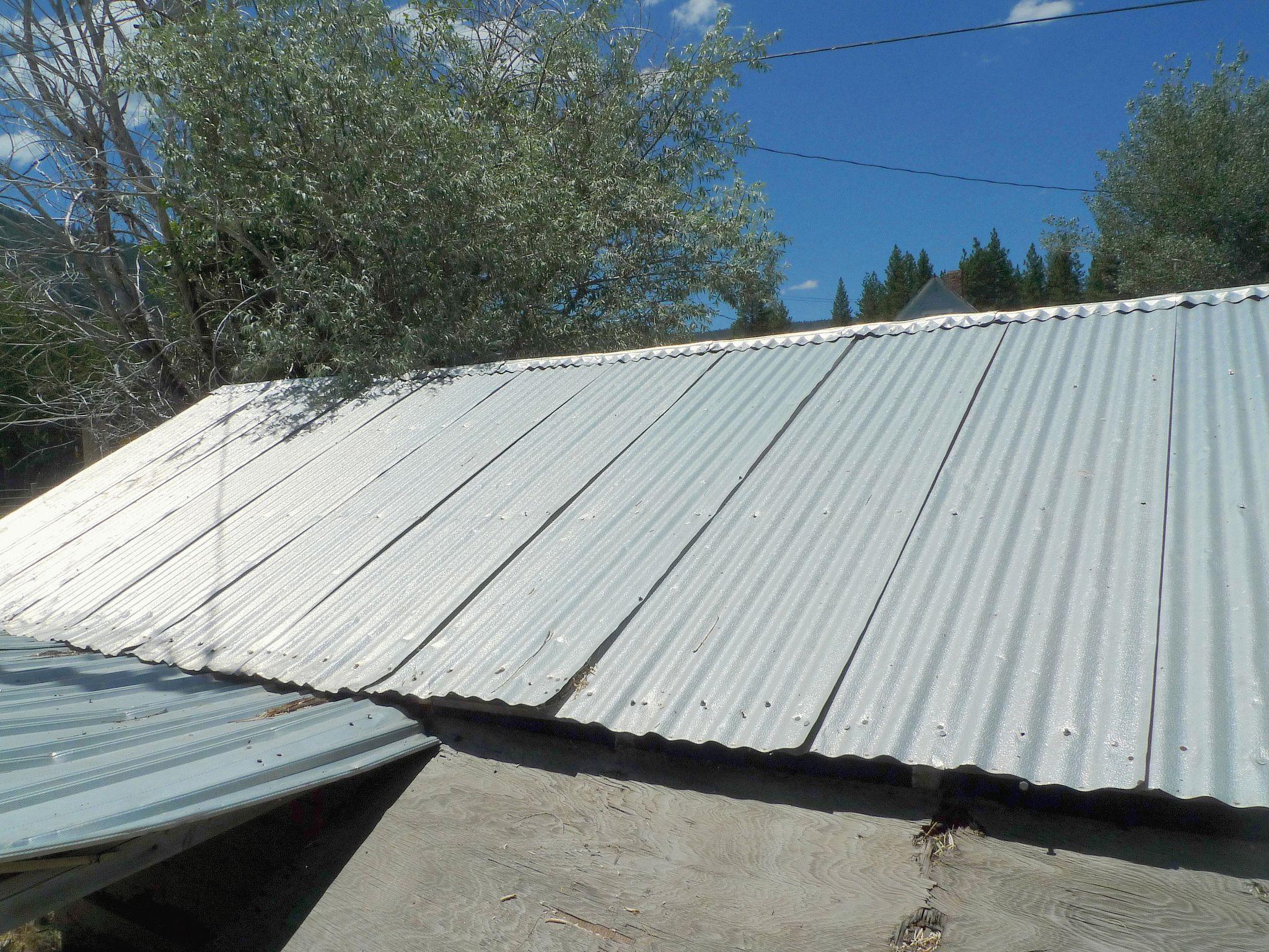 Как правильно покрыть крышу профнастилом своими руками 65